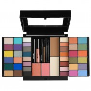Beauty Staple Makeup Set