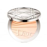 Ypač lengva ir natūrali kompaktinė pudra Dior