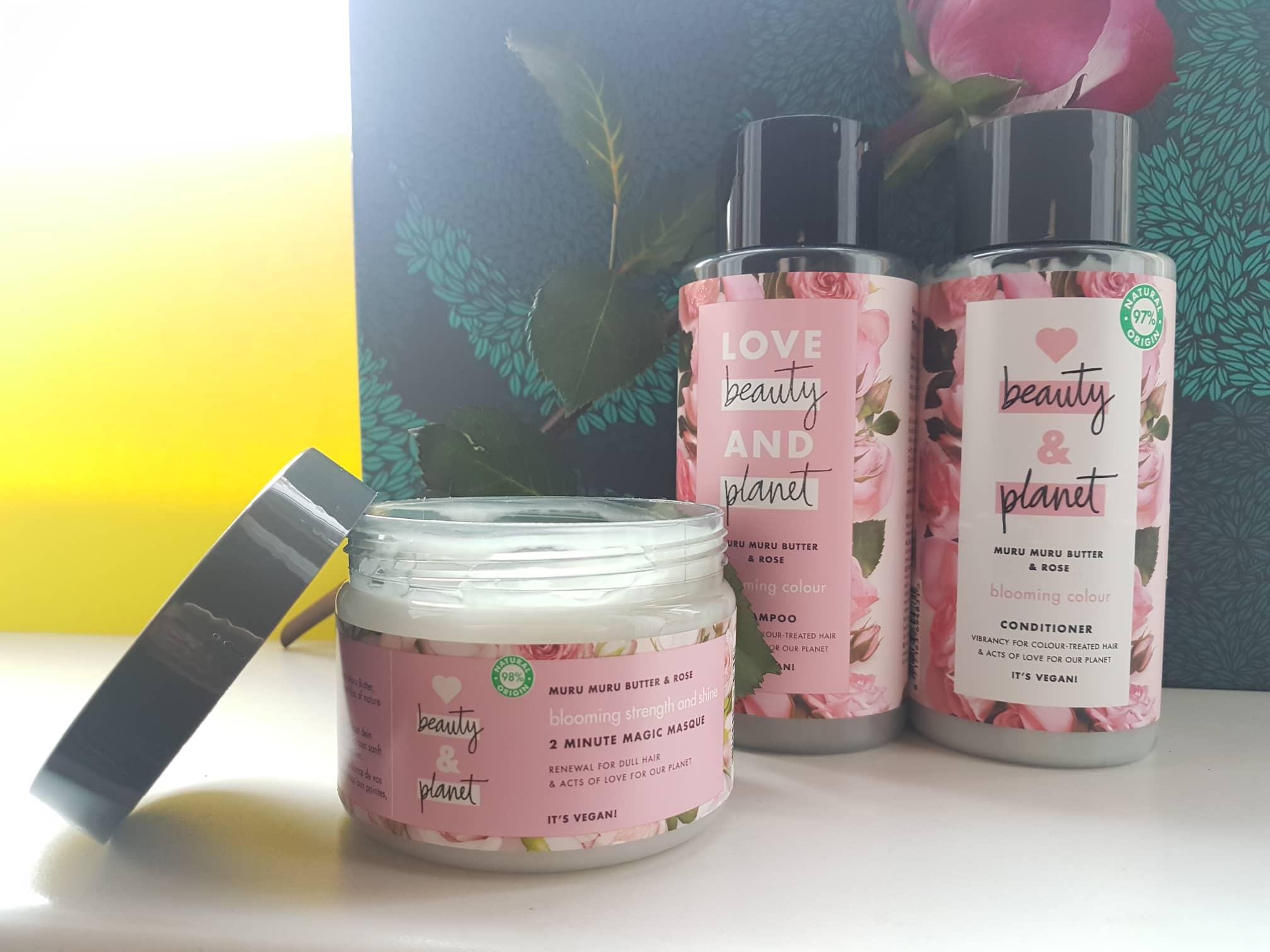 Love Beauty and Planet kosmetika su rožėmis