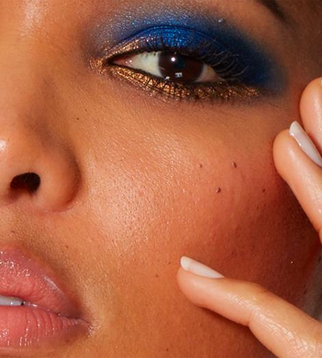 Mėlynas makiažas akių