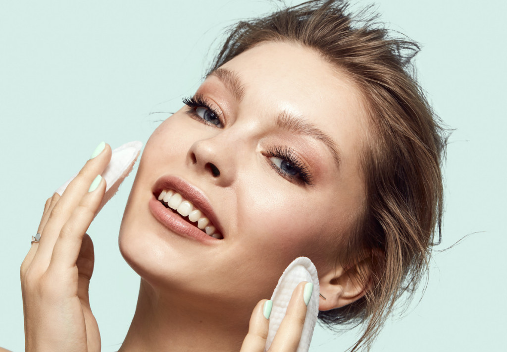 BEAUTYLIFESTYLE_BeautyVisual_Skincare_Cottonpads_SkincareCleansing_30082020_RGB