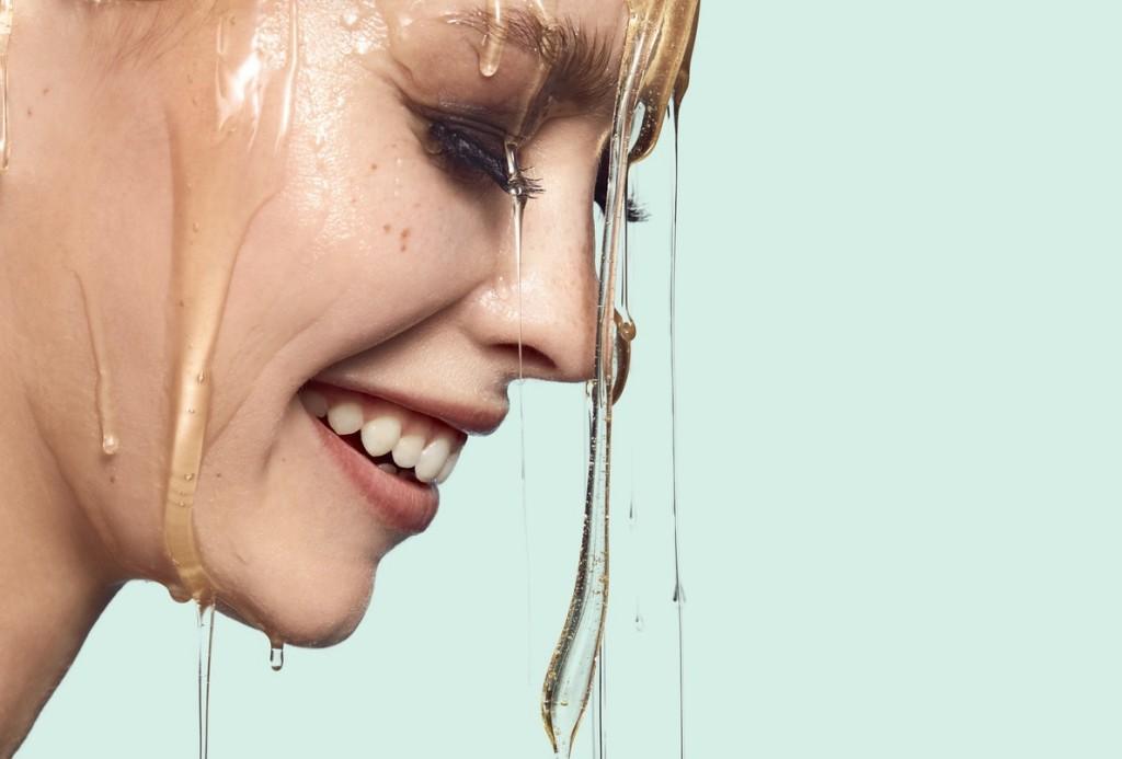 BEAUTYLIFESTYLE_BeautyVisual_Skincare_Oil on face_Oils_ 31072020_RGB